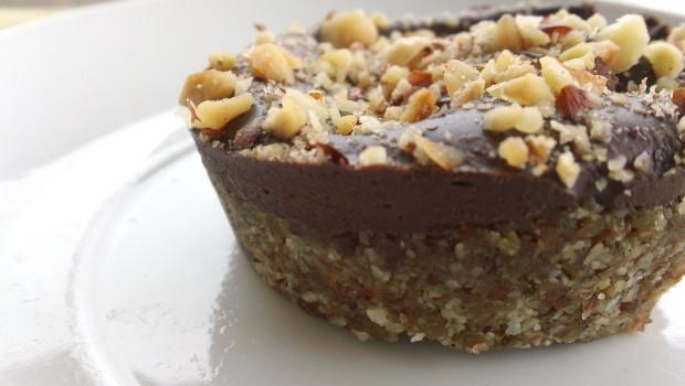 raw chocolate hazelnut cakes